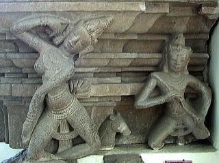 Apsara_Gandharva_Dancer_Pedestal_Tra_Kieu.jpg